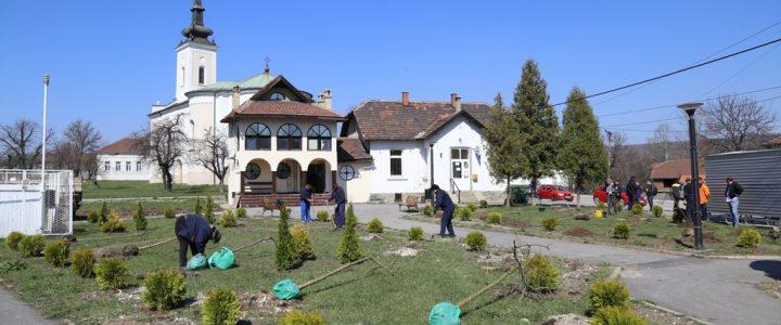 Vilaž učestvovao akciji ZiJin-a i Rakite na uređenju parka u Slatini
